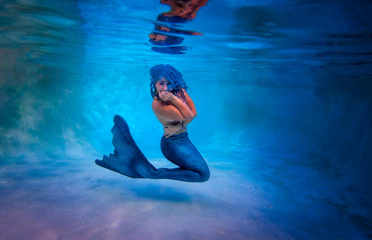 IMAGE: http://www.craiglcolvin.com/photos/potn/mermaids-1.jpg